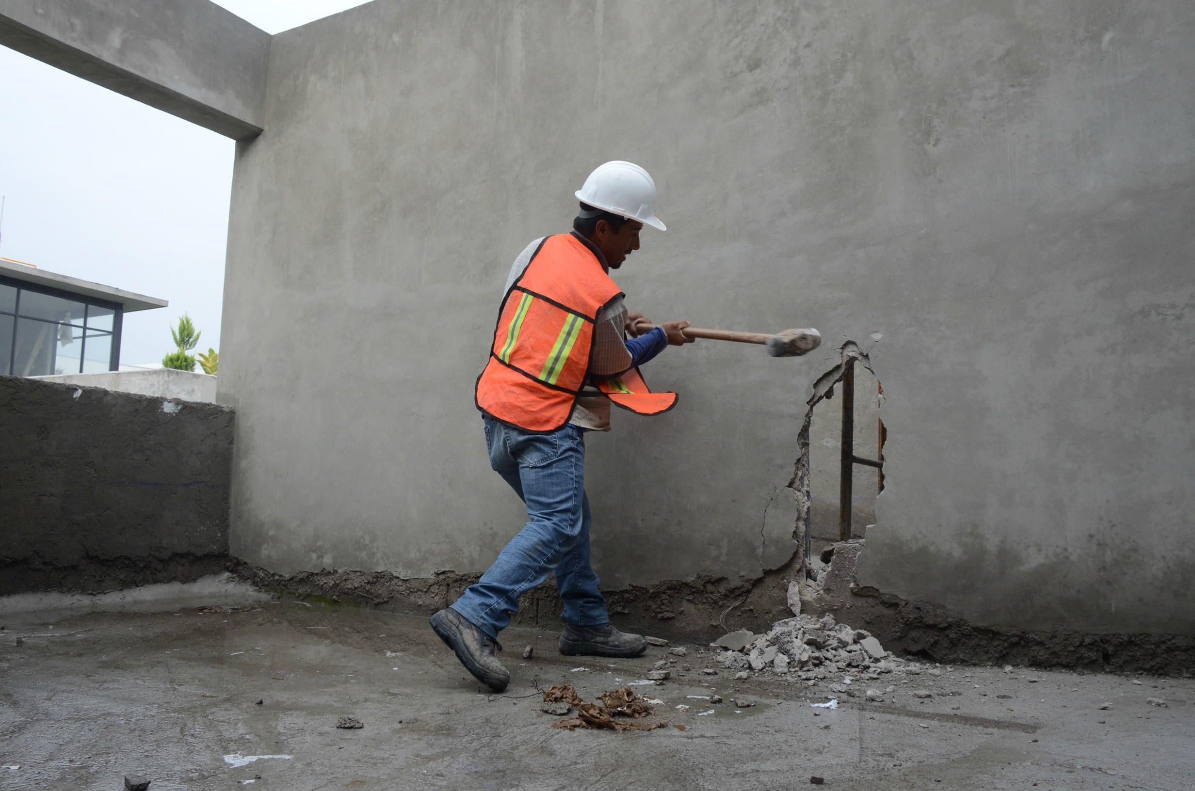 130717-FOTO-QUINTA-DEMOLICION-EN-CONSTRUCCION-IRREGULAR-(12).jpg