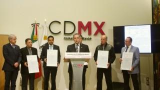 Entrega GCDMX 5 certificados más para reconstruir